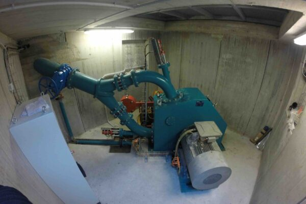 Pelton E++ Impianto idroelettrico Carpasio_Centrale